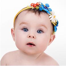 Faixa na cabeça do bebê pode representar riscos